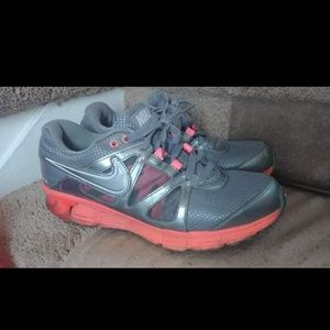 Nike Reax Womens